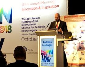 El Dr. Leidinger presenta resultados en el congreso internacional de Neurocirugía Pediátrica